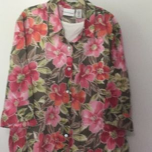 Alfred Dunner Tops - New no tags, ladies 2pc. Tank and buttons